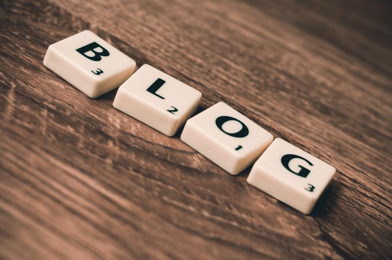 Make money from blogging - blog letter tiles